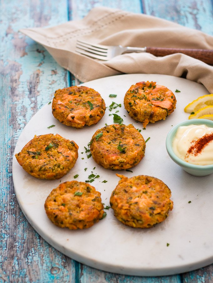 salmon quinoa burgers