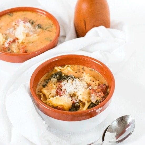 One-Pot Creamy Garlic Vegetarian Tortellini Soup