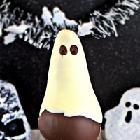 Chocolate Pear Ghosts - fun for kids to make! Fab Food 4 All
