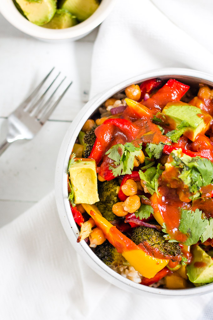 BBQ chickpeas and veggie bowl