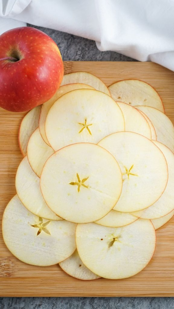 Thinly sliced apple rounds for making apple chips