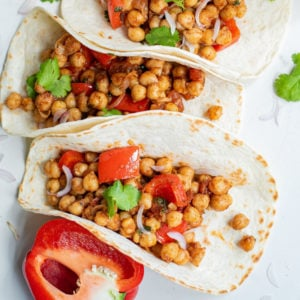 Bell pepper and chickpea tacos